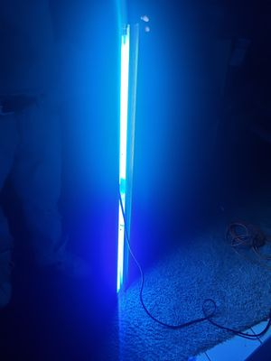 Floresent grow light for Sale in Grand Prairie, TX