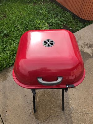 Charcoal bbq grill for Sale in Concord, CA