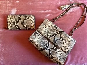 Tory Burch Fleming Snake-Print Crossbody Bag and Wallet for Sale in Phoenix, AZ