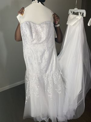 Jewel by David bridal wedding dress brand new size 16 300 dollars for Sale in Humble, TX