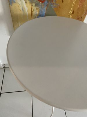 White coffee table for Sale in Hialeah, FL