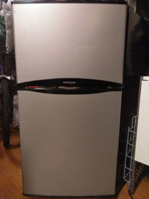 Frigidaire: mini-fridge for Sale in Salt Lake City, UT