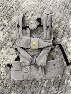 Lillebaby 6 position ergonomic baby and child carrier for Sale in Peoria, AZ