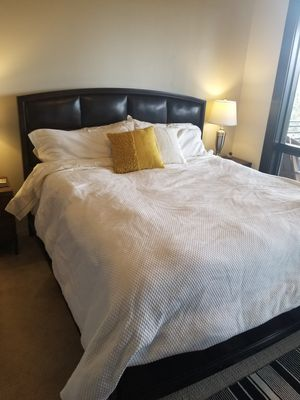 Six piece Bedroom Set for Sale in Bend, OR