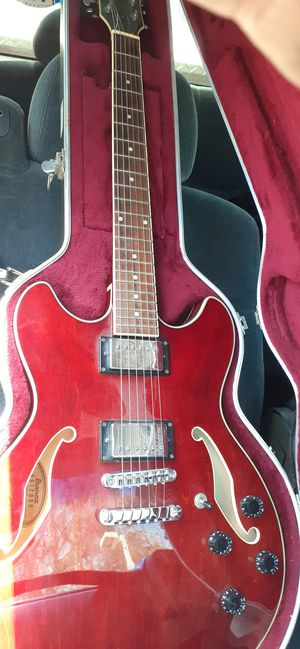 Ibanez Artcore electric guitar w/ case for Sale in Beverly Hills, CA
