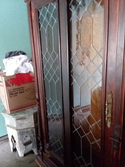 Antique armoire beautiful condition for Sale in MAYFIELD VILLAGE,  OH