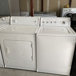 Kenmore Heavy Duty Washer And Gas Dryer Set for Sale in Las Vegas, NV