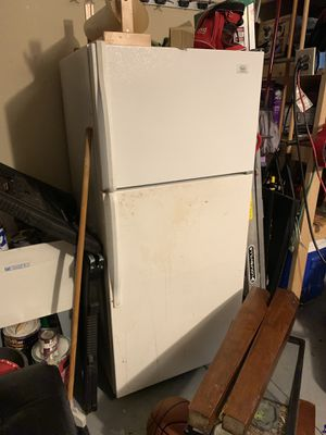 Roper refrigerator for Sale in Winter Haven, FL