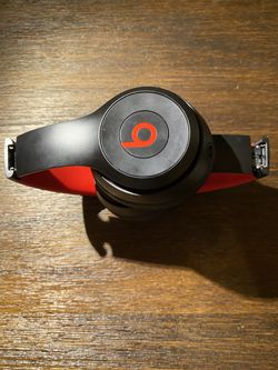Beats solo 3 special edition black and red for Sale in Oxford,  MA