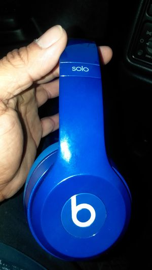 Beats headphones solo 2 wired for Sale in Renton, WA