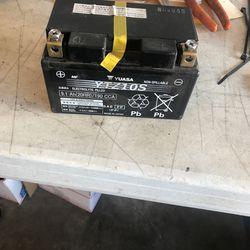 08 16 Yamaha R6 Battery for Sale in Santa Ana,  CA