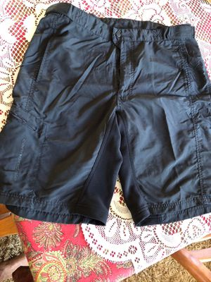 CANNONDALE MENS BIKE SHORTS LARGE $10 for Sale in Southgate, MI