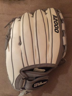 Softball Wilson A2000 12.5 glove for Sale in Chicago, IL