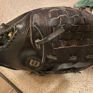 "Wilson 11"" A2000 Baseball Glove Reconditioned for Sale in Matthews, NC"