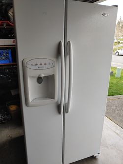 Free Maytag 2 sides refrigerator and freezer for Sale in Kent,  WA