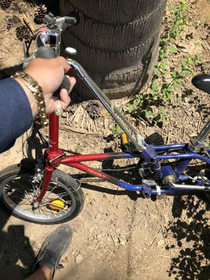 "NEWER MODEL ""JUST DUSTY"" Small folding DAHON travel vacation BIKE for Sale in Madera, CA"