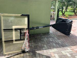 Basketball hoop for Sale in Fort Lauderdale, FL