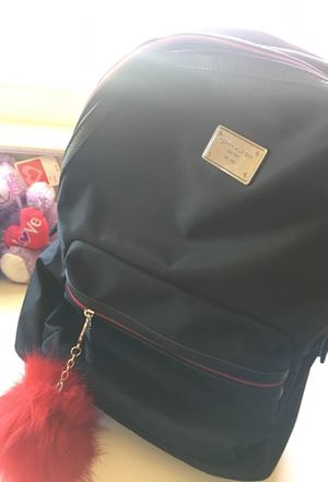 Tommy Hilfiger backpack for Sale in Sacramento, CA