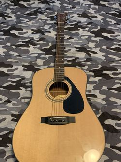 Yamaha Acoustic Guitar for Sale in Rose Valley,  PA