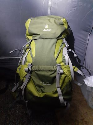 Deuter Actlite 60+10sL for Sale in Tacoma, WA