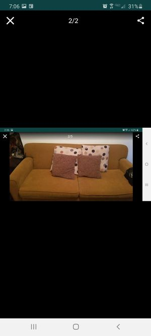 Gold Couch with matching accent pillows for Sale in Carson, CA
