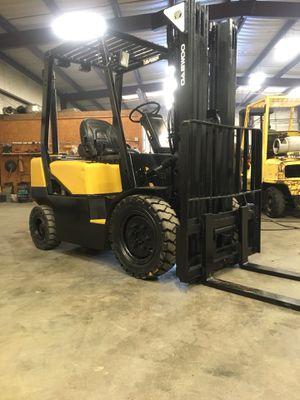 Diesel forklift Daewoo 5000 lbs for Sale in Dallas, TX
