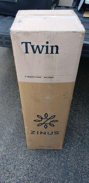 5in twin memory foam mattress for Sale in Mission, TX