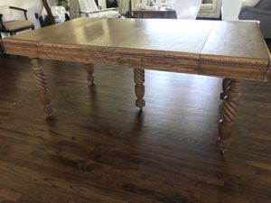 Beautiful Antique Oak Dining Table for Sale in Morgan, UT