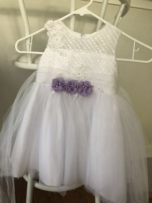Flower girl dresses and buskets for Sale in Chicago, IL