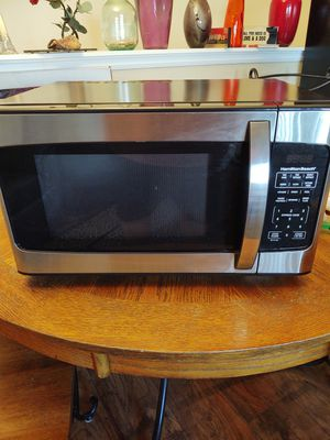 Hamilton Beach mid size microwave for Sale in Wheat Ridge, CO