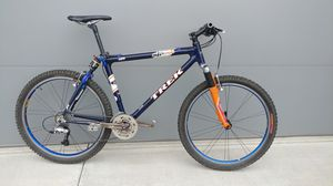 Trek carbon mountain bike - lightly used for Sale in Camas, WA