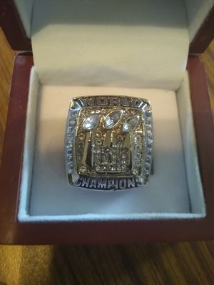 New York Giants Championship Ring with Display Case for Sale in BRECKNRDG HLS, MO