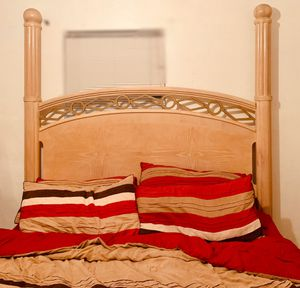 Solid wood king bed frame for Sale in Clearwater, FL
