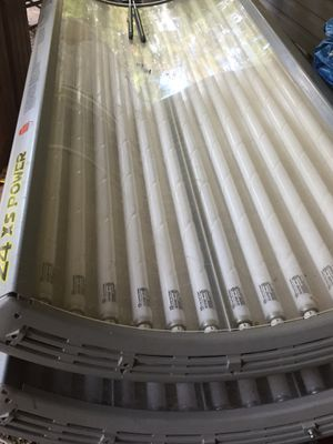 Tanning bed 220 hook up need gone ASAP!! for Sale in Bedford, VA
