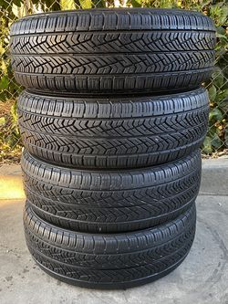 Set of 4 225/65/16 Yokohama for Sale in Bakersfield,  CA