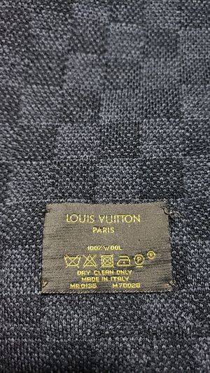 Louis vuitton scarf for Sale in Los Angeles, CA