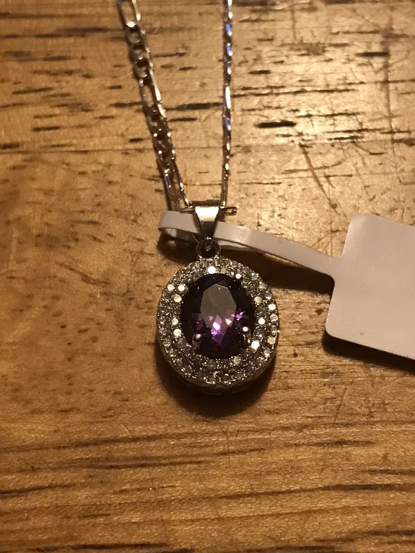 "BRAND NEW LADIES HALO STYLE PENDANT 22""NECKLACE"