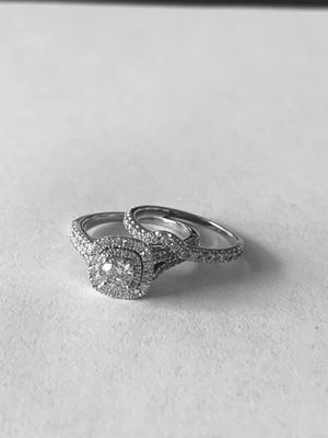 Engagement Ring and Wedding Band for Sale in Dublin, OH
