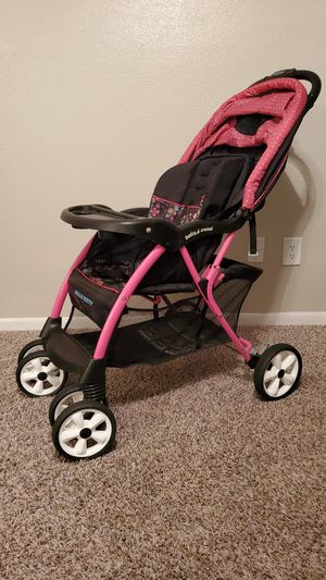 Hello kitty stroller for Sale in Houston, TX