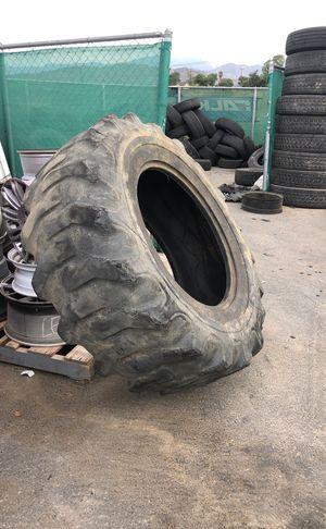 Free cross fit tires for Sale in Oak Glen, CA