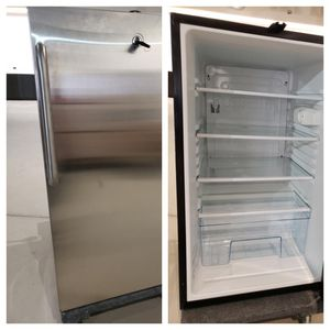 Summit stainless steel refrigerator model no# FF521BL for Sale in San Francisco, CA