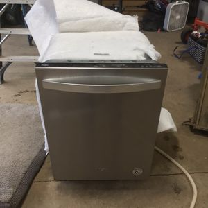 Whirlpool Dishwasher for Sale in Aberdeen, WA
