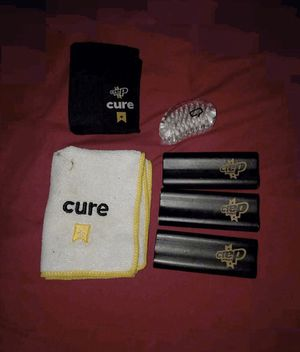 Brushes and wipes for sneakers for Sale in Annandale, VA