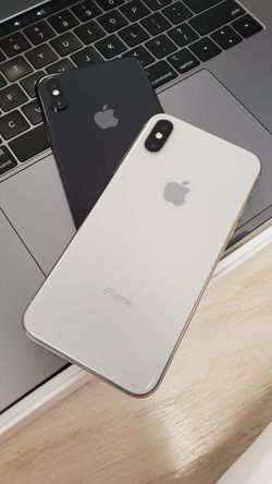 Apple iPhone X Unlocked for all carriers for Sale in Kent,  WA