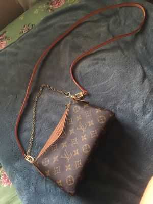 Louis Vuitton Paris, brown cross body bag, made in France for Sale in Palm Desert, CA