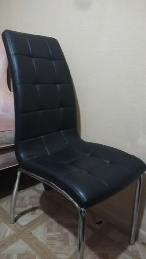 Black Faux leather chair 15$ for Sale in Mesa, AZ
