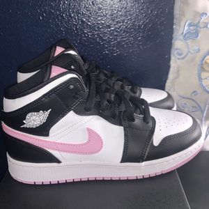 Air Jordan 1 Mid Arctic Pink Size 5 / 5.5 / 6 / 7 Youth for Sale in Whittier, CA