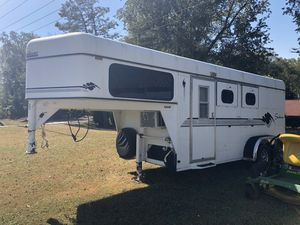 Sundowner slant 2 horse trailer for Sale in Bristol, TN