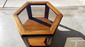 Nicre Hexagon End table for Sale in Redwood City, CA