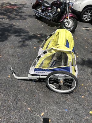 Bicycle trailer used for Sale in Pompano Beach, FL